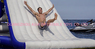 Cina Durability Inflatable Water Slide For Kids , Non-Rotting Yacht Slide pabrik