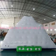 0.9mm PVC Tarpaulin Inflatable Game Olahraga Air / Meledakkan Gunung Es