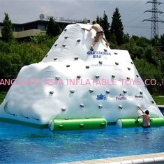 Cina Tahan Lama Inflatable Water Game Toys / Inflatable Floating Iceberg pabrik