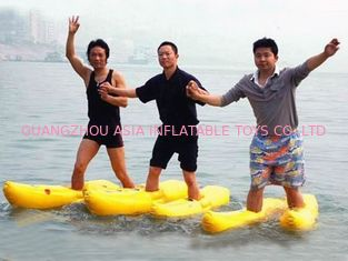 Cina Walking On The Water, Inflatable Water Shoe For Water Amusement pabrik