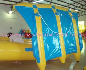 Cina Exciting Inflatable Flying Fish Boat for Entertainment , Easy To Set Up pabrik