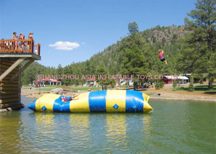 Colorful Inflatable Water Pillow For Water Sports In Aquatic Parks pemasok