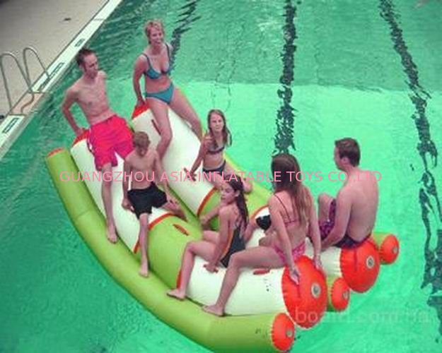 Interesting Inflatable Water Sports , Adult Seesaw Pool Float pemasok