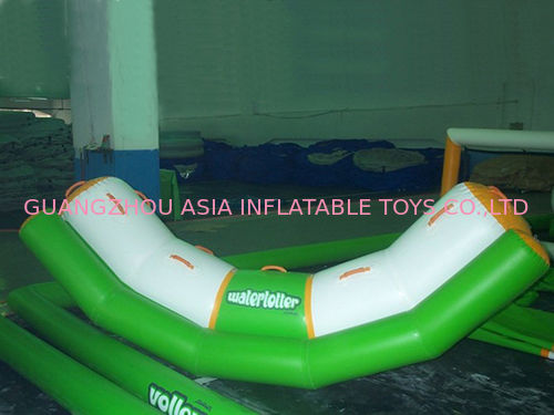 4 Seats Inflatable Totter Tube In Green And White For Water Games Amusement pemasok